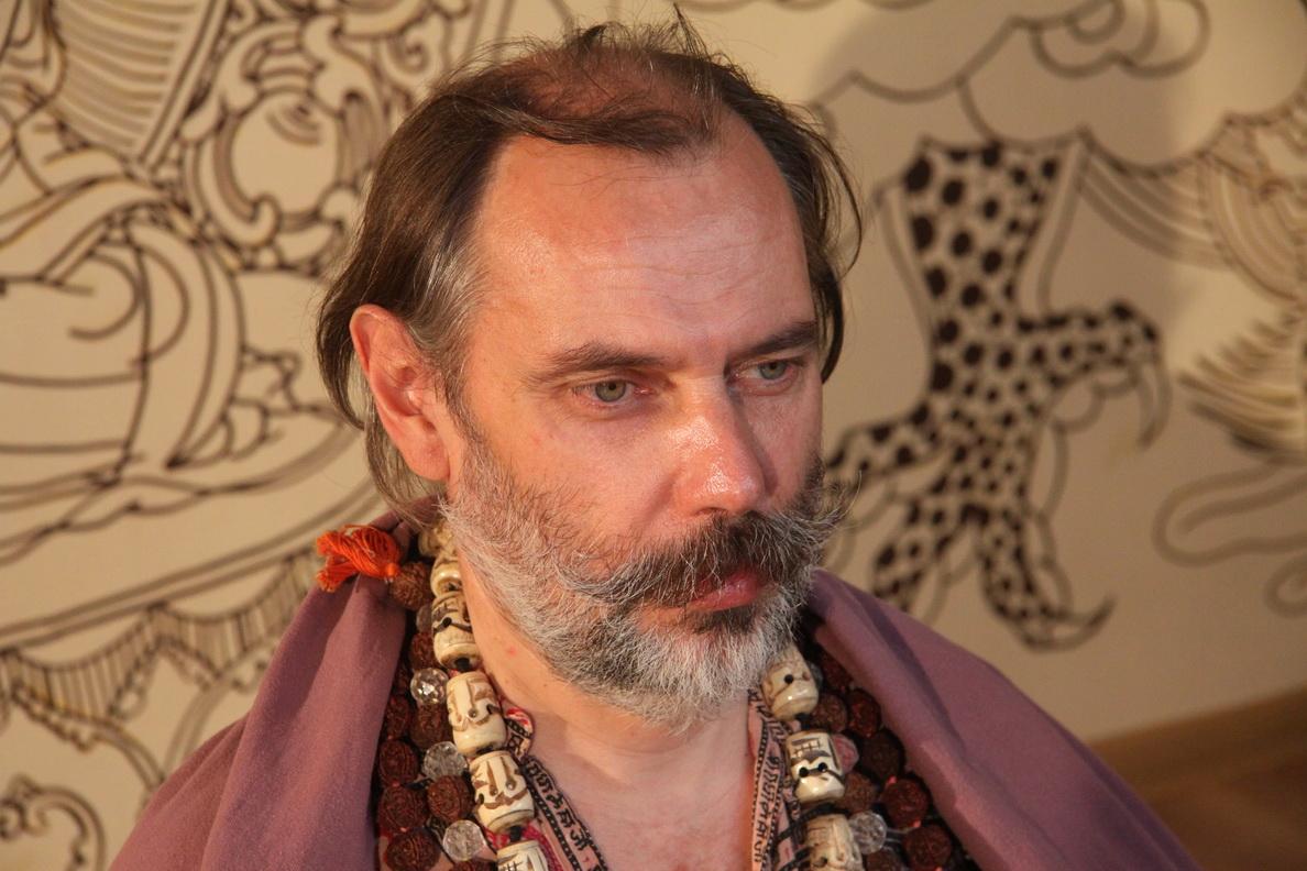 Victor Kojarinov1
